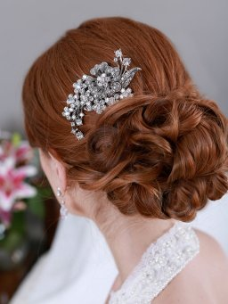 Menyasszonyi frizura ,hosszú barna hajból 13, Bridal long brown hair 13 Forrás:http://www.etsy.com