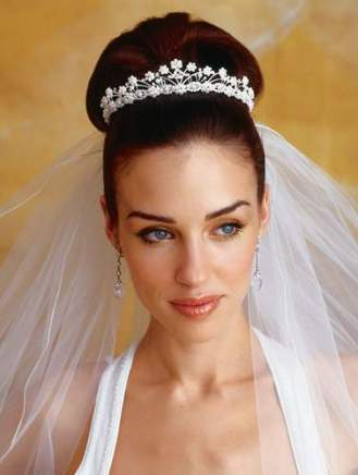 Menyasszonyi frizura ,hosszú barna hajból 4 , Bridal long brown hair 4 Forrás:http://emersonsalon.com