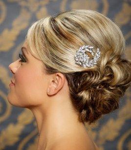 Menyasszonyi frizura ,hosszú szőke hajból 14, Bridal long blonde hair 14 Forrás:http://www.etsy.com