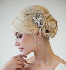 Menyasszonyi frizura ,hosszú szőke hajból 17, Bridal long blonde hair 17 Forrás:http://www.etsy.com