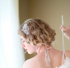 Menyasszonyi frizura ,hosszú szőke hajból 18, Bridal long blonde hair 18 Forrás:http://www.etsy.com