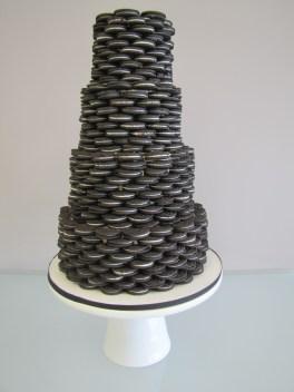 Oreokeksz menyasszonyi torta 5 , Oreocake wedding cake 5 Forrás:http://cakecentral.com