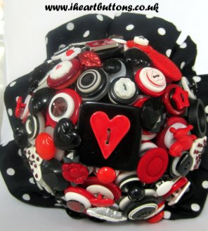 Gombos menyasszonyi csokor 13, Button bridal bouquet 13 Forrás: www.etsy.com
