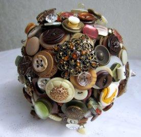 Gombos menyasszonyi csokor 3, Button bridal bouquet 3 Forrás: www.etsy.com
