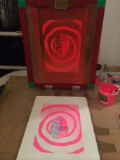 Lifting the silk screen