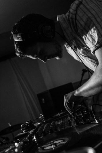 Bar DJs