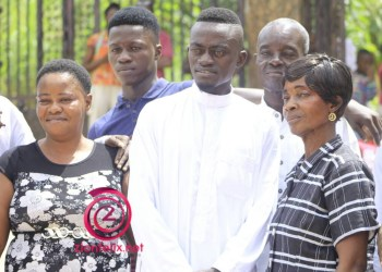 PHOTOS: Kwadwo Nkansah LilWin celebrates Mum with House as gift on her 70th birthday