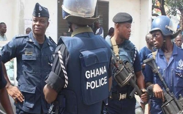 The Police and Military personnel clashed with some gunmen suspected to be armed robbers