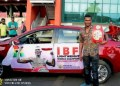 IBF world lightweight champion Richard Commey and his new car