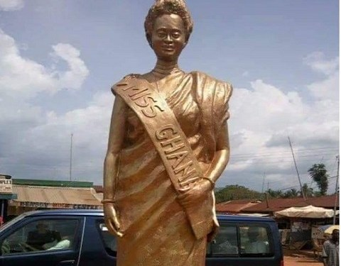 Statue of the first winner of Miss Ghana contest Monica Amekoafia