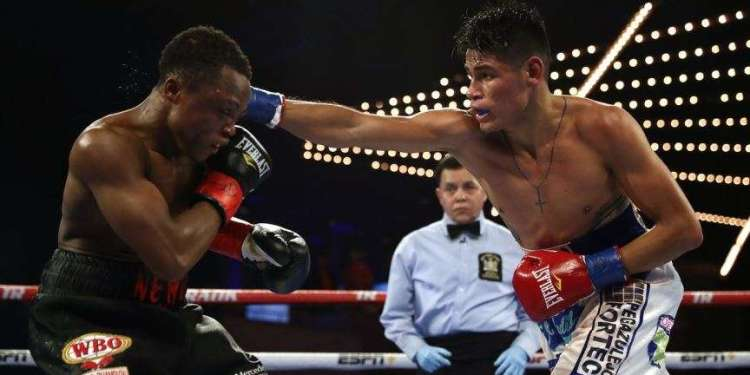 Isaac Dogboe lost his title to Mexico's Emanuel Navarrete