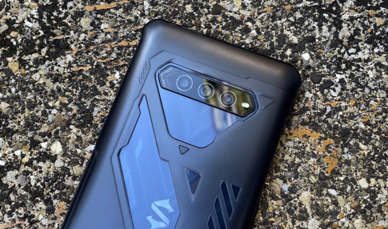黑鯊4幻鏡黑開箱:比ROG Phone 5還高CP值