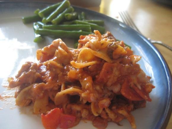 Pizza Casserole https://onegirlstasteonlife.wordpress.com/2010/08/27/pizza-casserole/