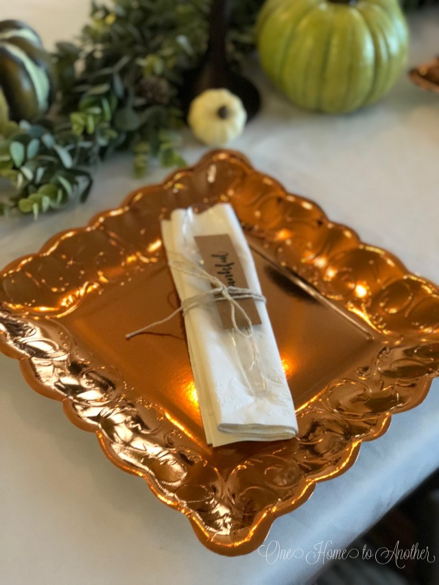 Quick and Easy Thanksgiving Table Setting