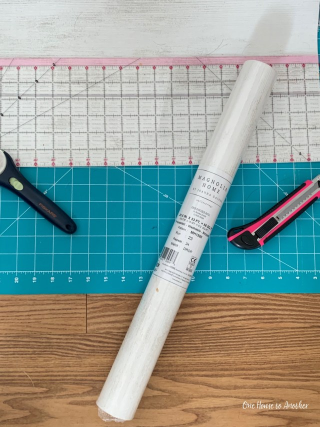 My DIY and Review of Joanna Gaines Shiplap Wallpaper