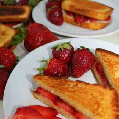 Grilled Cheese with Strawberries