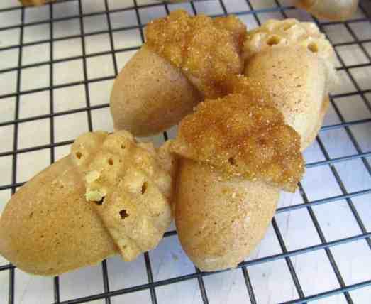 Glazed acorn cakes