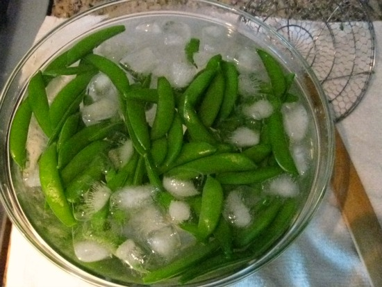 how to blanch peas
