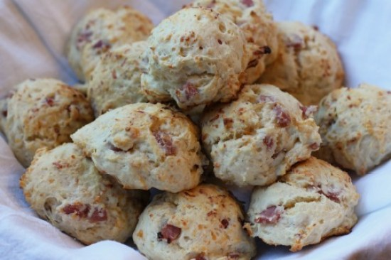 hand and cheese biscuits recipe picture