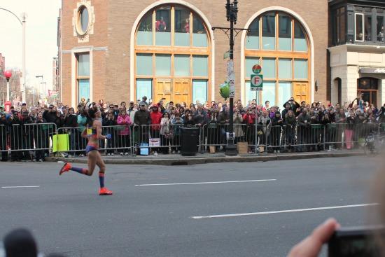 2013 boston marathon crowd kara goucher