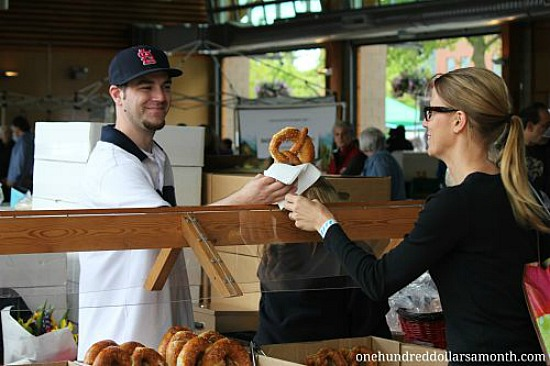 puyallup farmers market hess bakery