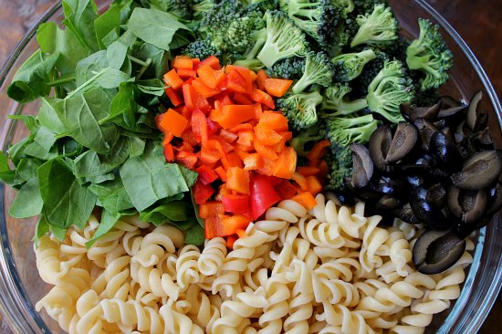 Recipe Creamy Broccoli and Spinach Pasta Salad