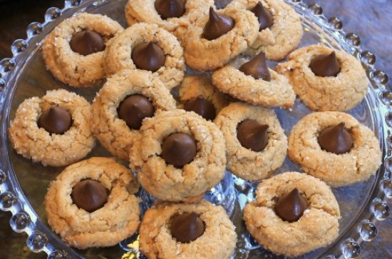 peanut-butter-cookies-with-hersheys-kiss-recipe