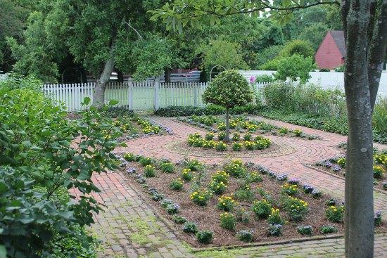 courtyard flower garden
