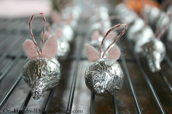 Easy Christmas Crafts for Kids  Hersheys Kiss Candy Mice