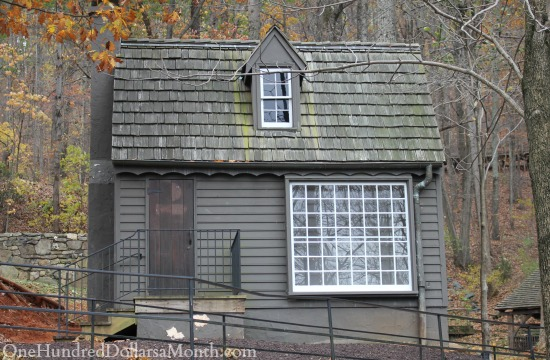 Michie Tavern and outbuildings