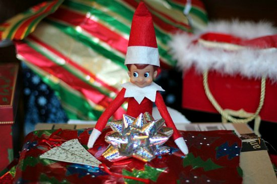 elf-on-the-shelf-christmas-present2