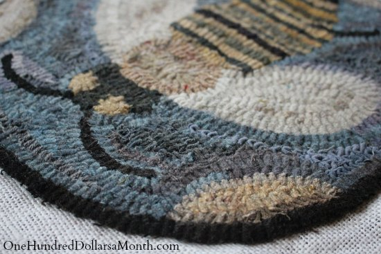 bee rug hooking