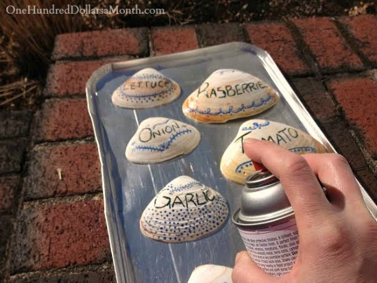 DIY-Garden-Markers-Made-From-Beach-Shells