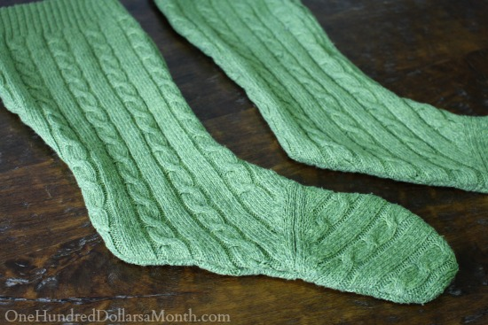 DIY Christmas - Turn an Old Sweater Into a Stocking