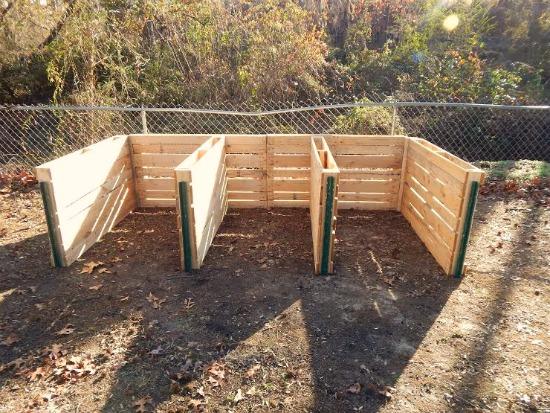 Tammy Sends In Her DIY Wood Pallet Compost Bin And Pallet