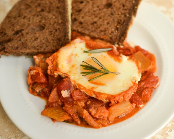baked shakshuka with fennel and goat cheese