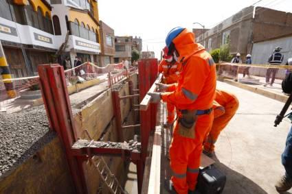 Ministro Geiner Alvarado inspecciona avance de obras de megaproyecto PTAR Titicaca