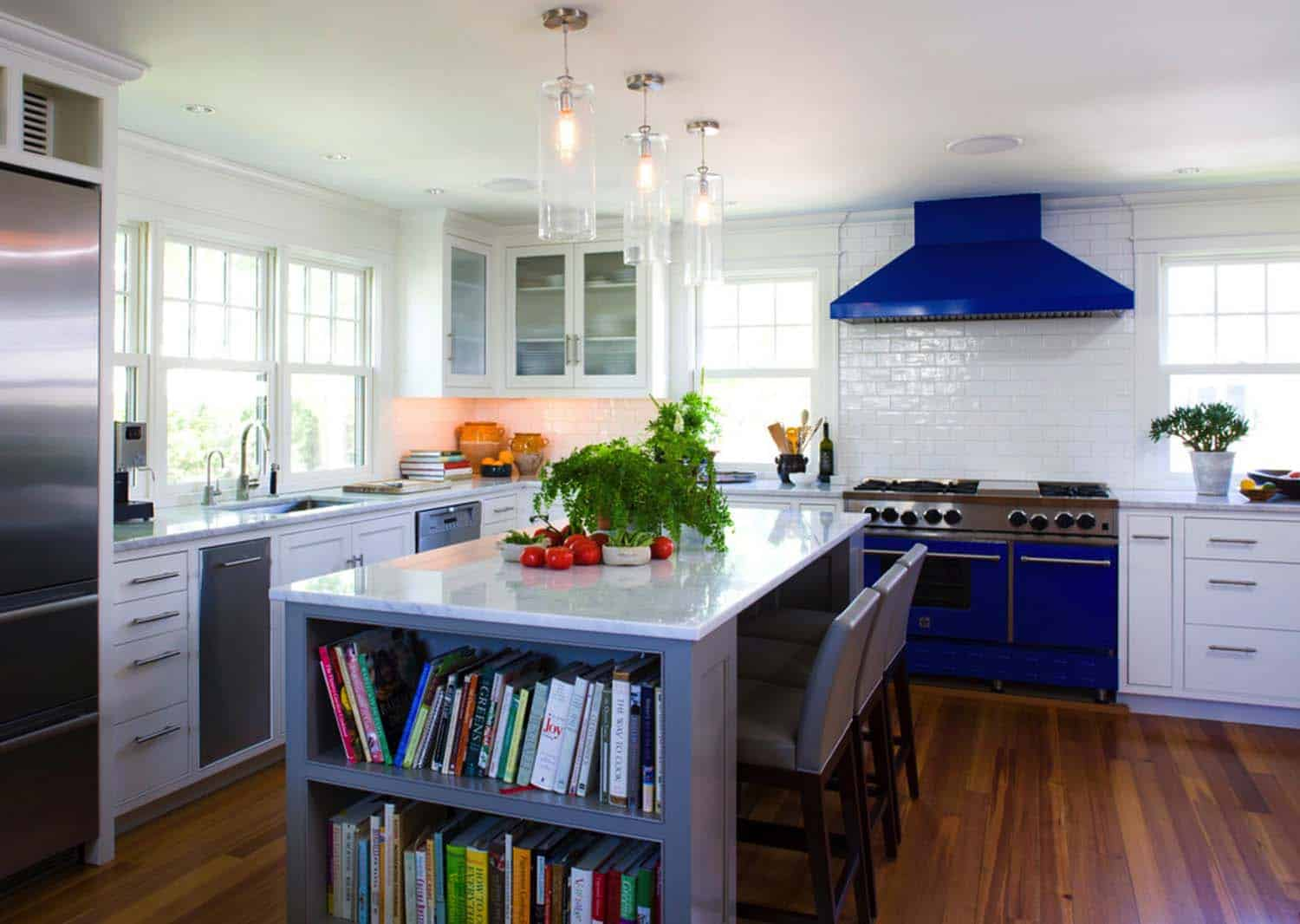 30 brilliant kitchen island ideas that make a statement Help design kitchen colors