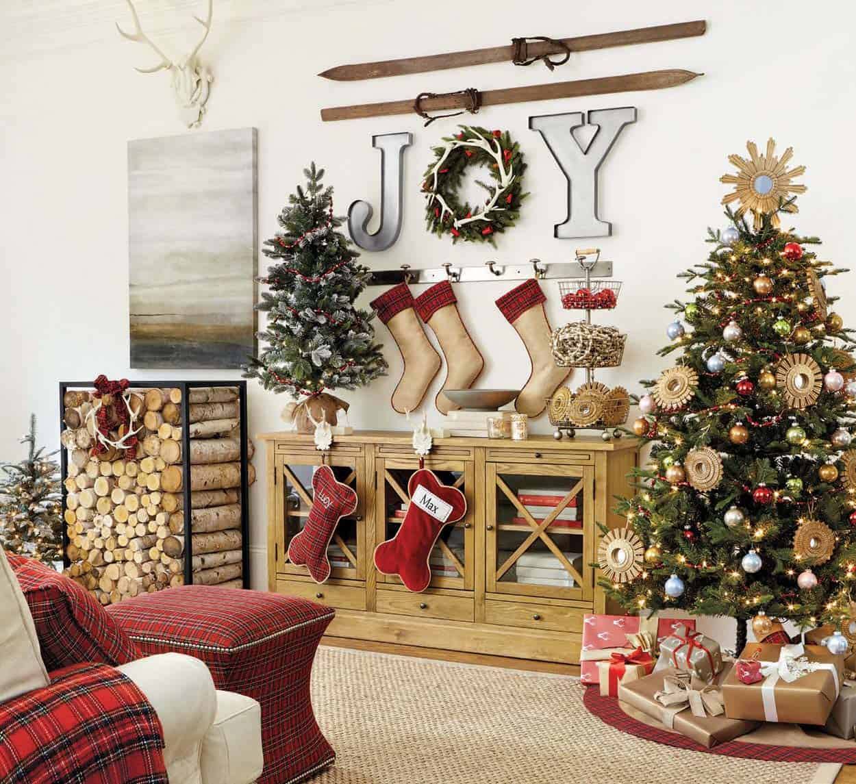 Country Christmas Mantels: 40+ Fabulous Rustic-Country Christmas Decorating Ideas