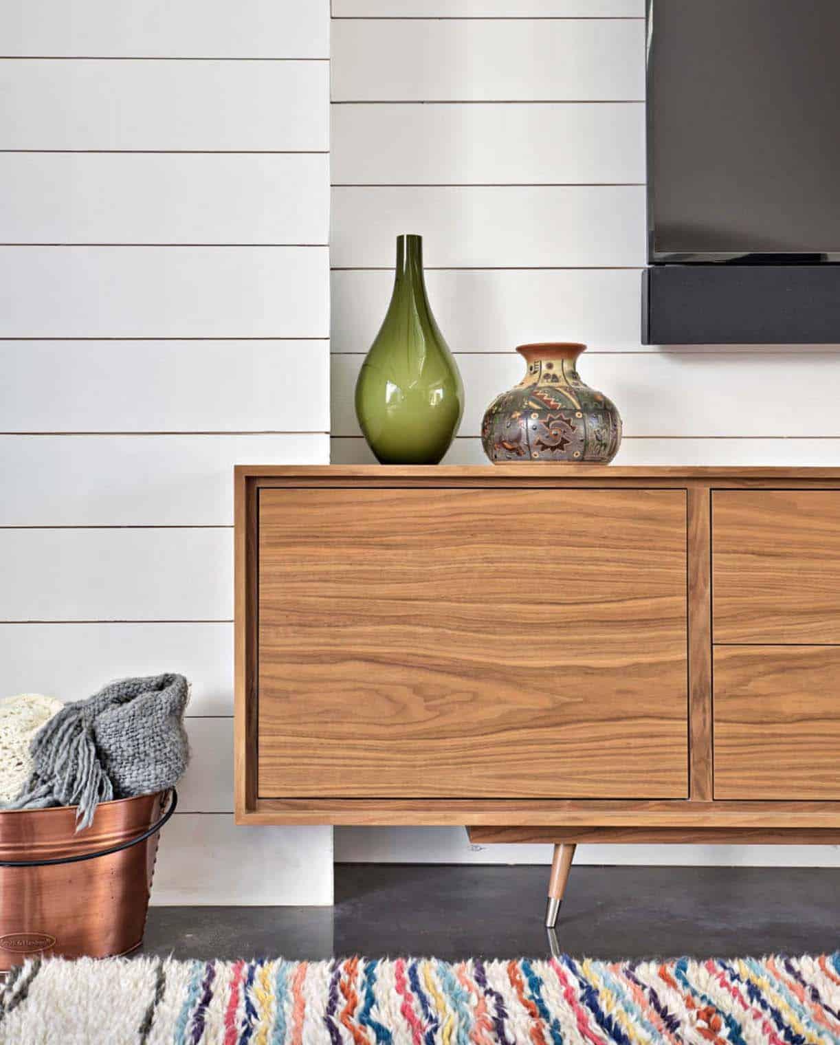 Mesmerizing Modern Living Room Airy
