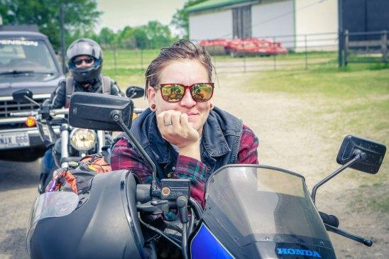 Manon - Babes Ride Out