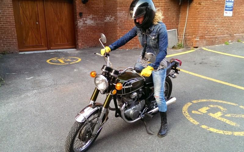 bianca kennedy salon moto oneland
