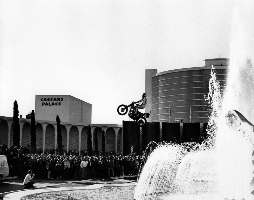 Evel-Live-Ceasars