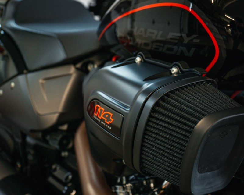 web Oneland - Harley Davidson - FXDR Softail Tour (2) (Moyen)