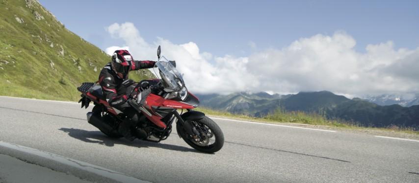 salon moto oneland montreal quebec SUZUKI V-STROM 1050 XA