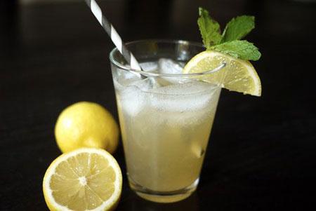 50+ Homemade Starbucks Recipes - Green Tea Lemonade