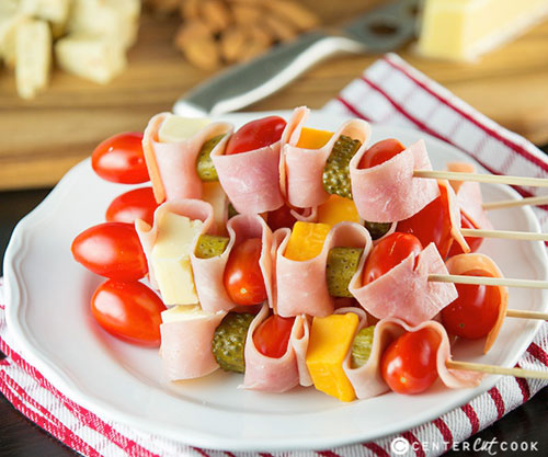 50+ Food on a Stick Lunch Ideas - Cheddar and Ham Skewers