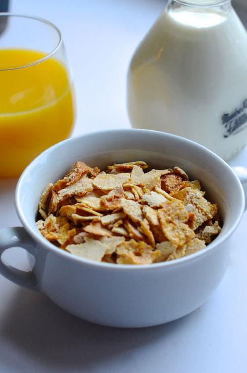 30+ Things You Can Make Yourself - Homemade Corn Flakes Cereal