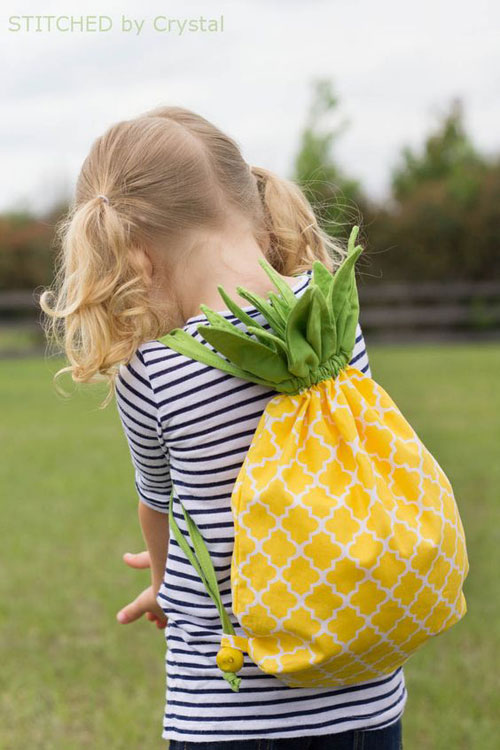 37 Awesome DIY Summer Projects - DIY Pineapple Drawstring Backpack