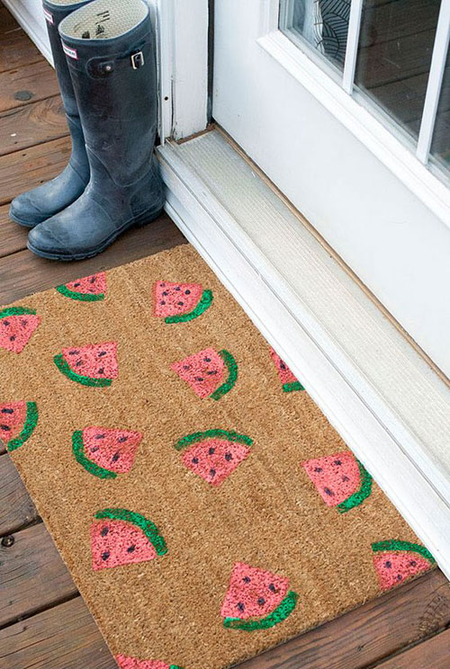 37 Awesome DIY Summer Projects - DIY Stamped Watermelon Doormat